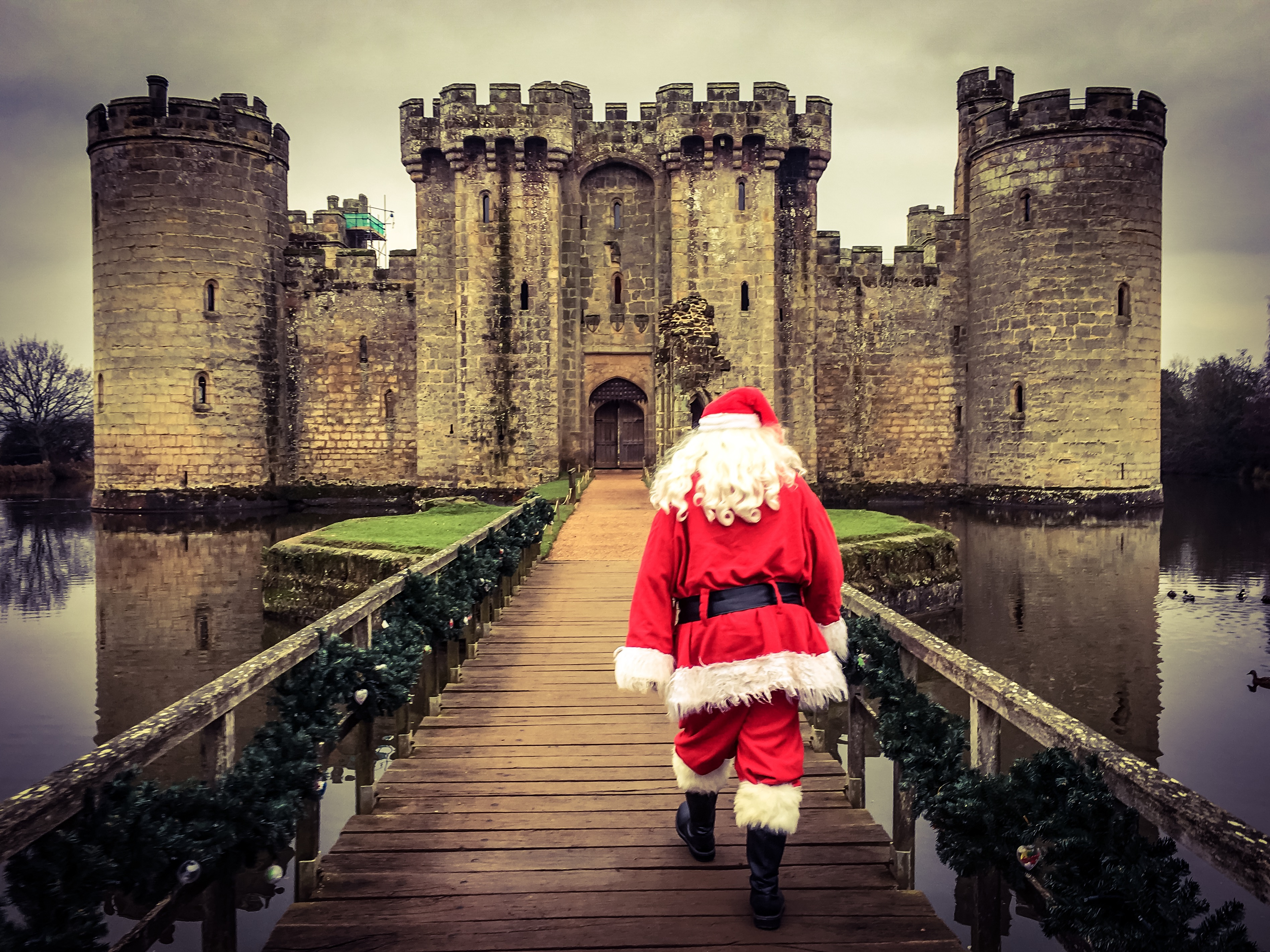 visit santa west sussex