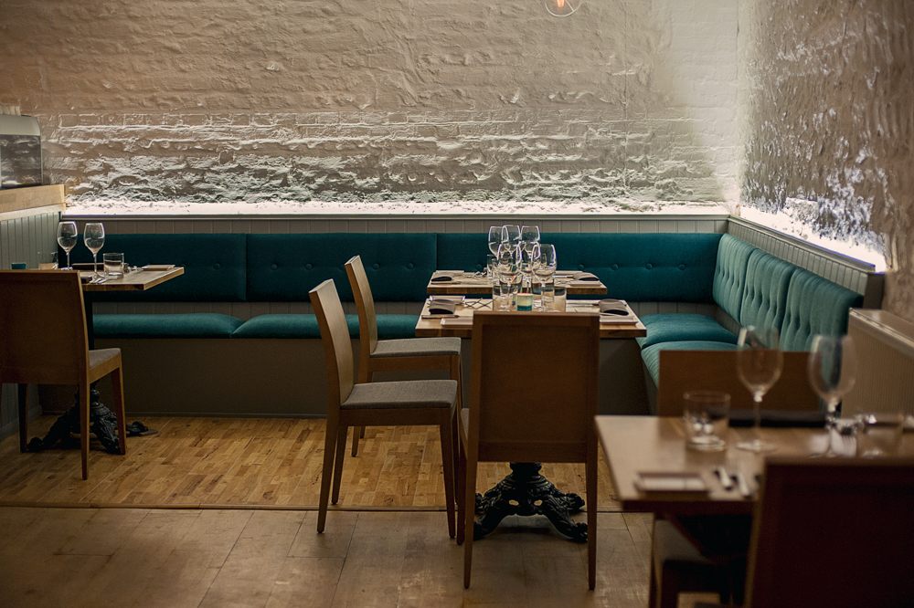 parsons table restaurant by andrew hobbs