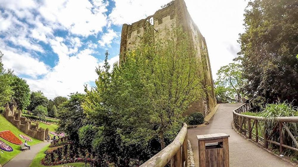 Guildford Castle walk